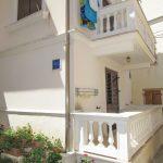 otok-susak-apartmani-matijasec-dvoriste-balkoni